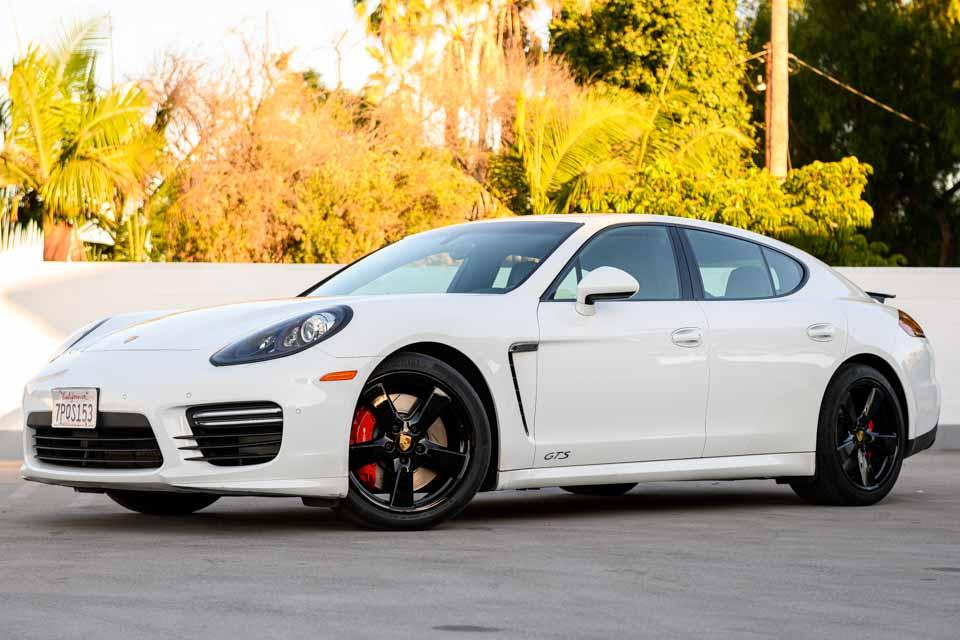 2016_Porsche_Panamera_GTS-0113