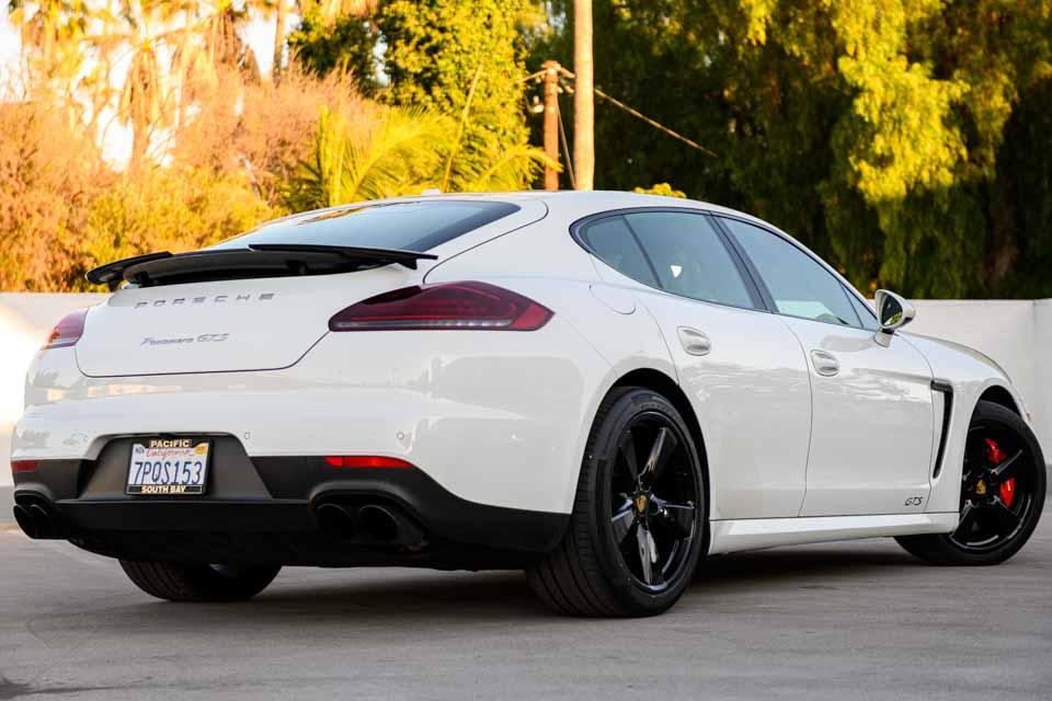 2016_Porsche_Panamera_GTS-0120