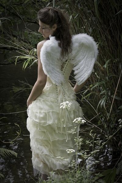 robe-de-mariee-feerique-corset-soie-ivoire