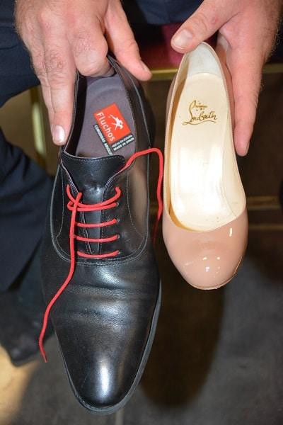Robe-de-mariee-en-soie-chaussures-louboutins
