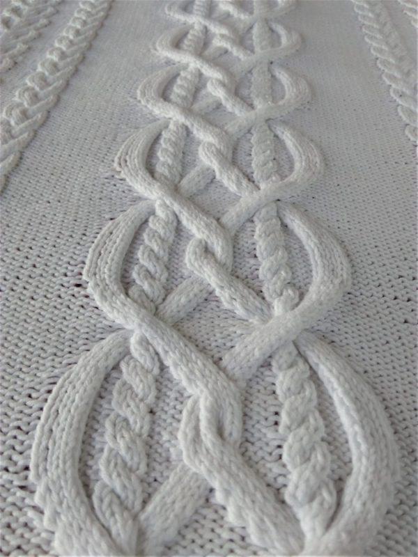 Couverture pour couffin de bébé, tricot irlandais, 100% coton. fait main, pièce unique, création originale La Malle au Coton. K7
