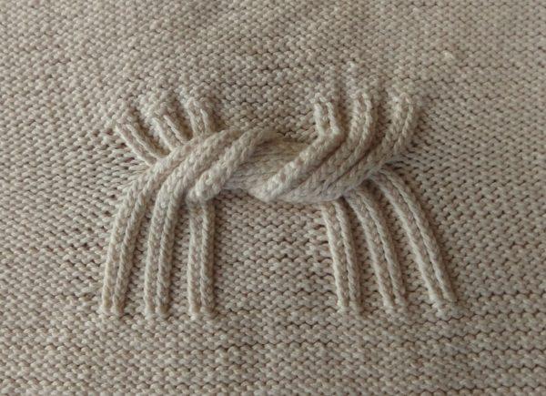 Couverture bébé, tricoté main, 100% coton bio. Pièce unique, artisanale, création et réalisation: La Malle au Coton. L4