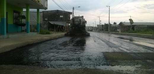 Complemento del asfaltado de la calle Esmeraldas