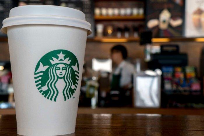 Detenido un socuellamino por agredir al dependiente de un Starbucks al no servirle un carajillo