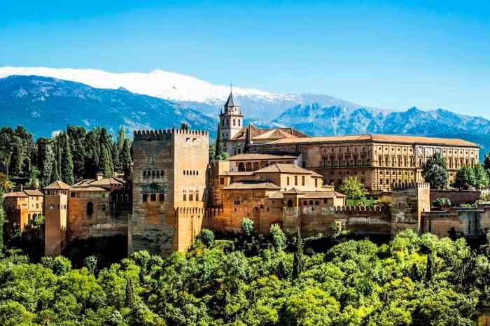Un grupo de jubilados de La Alberca denuncian al IMSERSO por organizar un viaje a La Alhambra, se pensaban que era la fábrica de cerveza