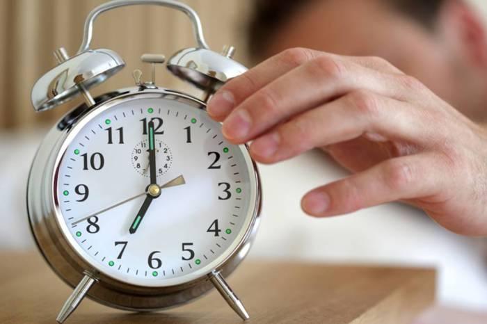 Los científicos de Tomelloso lo confirman: cuando suena el despertador la cama se vuelve más cómoda