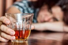 Un señor de Villarrobledo acaba en urgencias con un coma etílico tras ir al médico y decirle que bebiera mucho liquido
