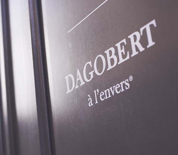 dagobert-a-lenvers-chaussettes-boxers-logo