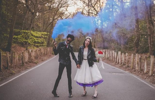 Mettez de la couleur à votre mariage - Des photos fumigénées!
