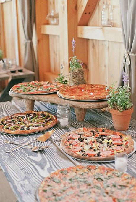 2015_bridescom-Editorial_Images-08-wedding-food-bar-ideas-Large-wedding-food-bar-ideas-onelove-photography.jpg