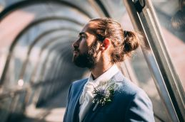 1_17_romantique_couple_4_looks_sidneyonthemoon_photographe_chrisvonmartial_robe_mariee_costume_paris_wedding_web