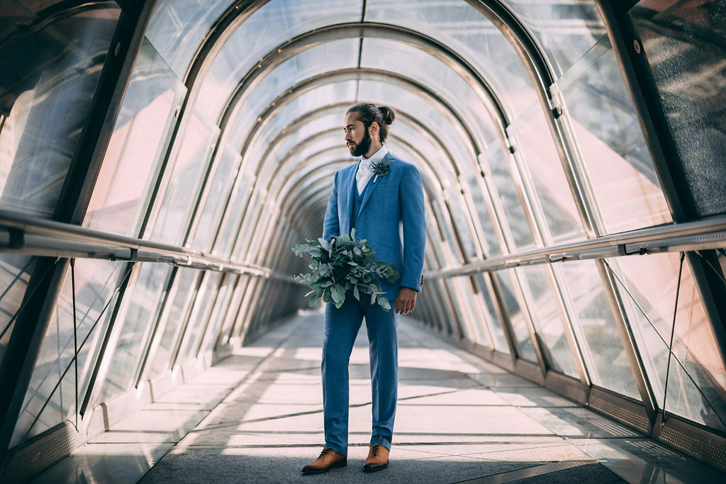 1_19_romantique_couple_4_looks_sidneyonthemoon_photographe_chrisvonmartial_robe_mariee_costume_paris_wedding_web.jpg