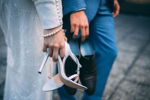 3_14_chic_urbain_couple_4_looks_sidneyonthemoon_photographe_chrisvonmartial_robe_mariee_costume_paris_wedding_web