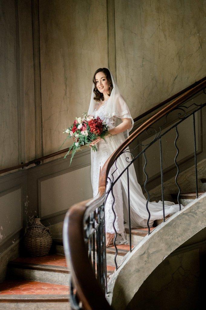 mariée fleurs rouges