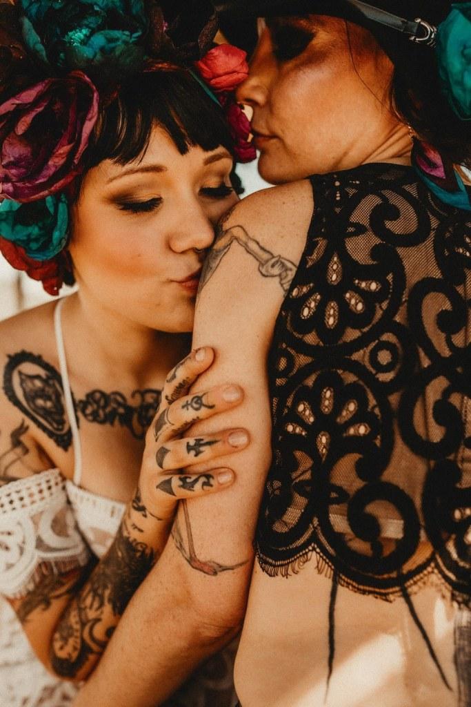 Mariage alternatif gay rock et bohème