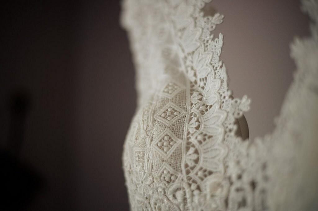 robe de mariée fluide à dentelles