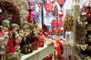 Le marché de Noël médiéval de Ribeauvillé - boutique de décorations