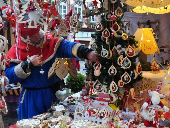 Le marché de Noël médiéval de Ribeauvillé - stand du marché de Noël