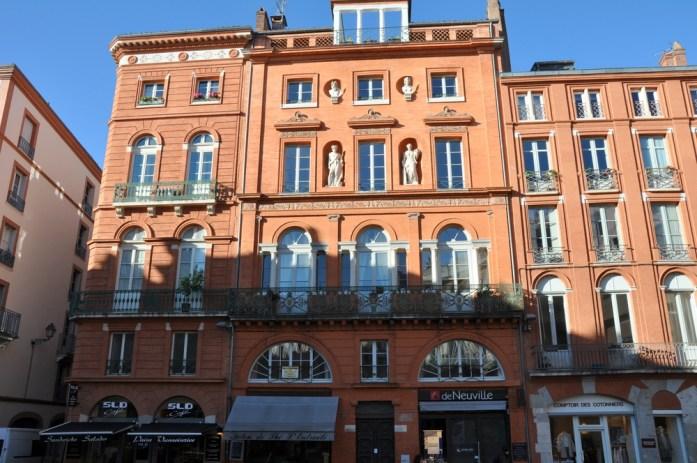 Toulouse - Façades de la place de la Trinité