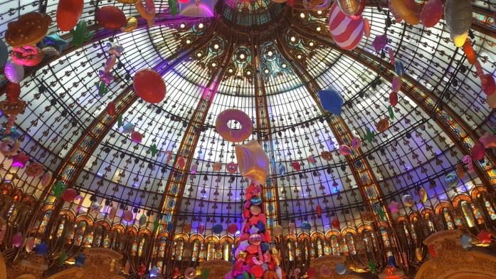 Paris - coupole des Galeries Lafayette à Noël