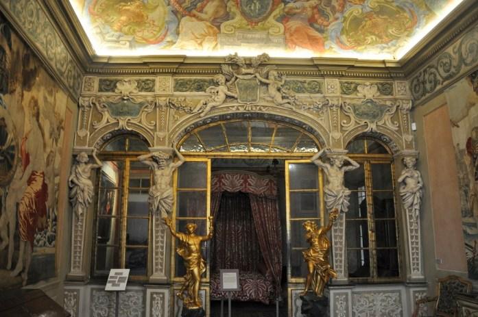 Visiter Nice en un week-end : intérieur du Palais Lascaris
