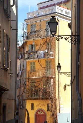 Visiter Nice en un week-end : immeuble du Vieux Nice