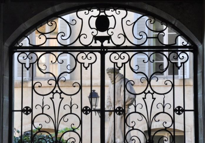 Visiter Beaune - cour intérieure des hospices