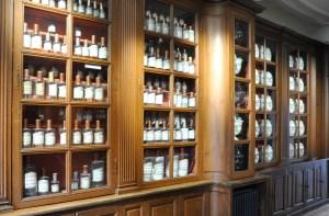 Visiter Beaune et ses hospices - la pharmacie