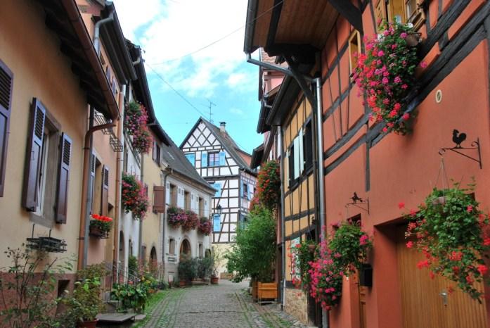 Découvrir Eguisheim en Alsace - les ruelles du circuit des remparts