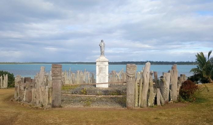 Les îles de Nouvelle Calédonie - totems en baie de St Maurice