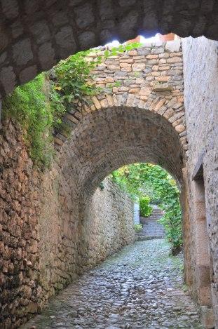 Saint Cirq-Lapopie - arche en pierre