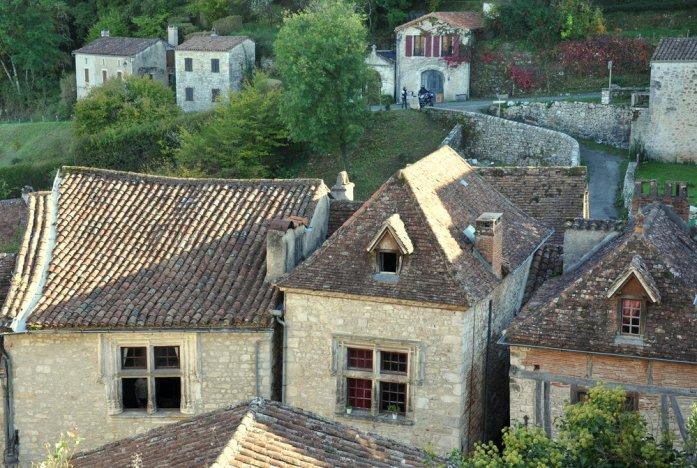 Les jolies maisons en pierre de Saint Cirq-Lapopie