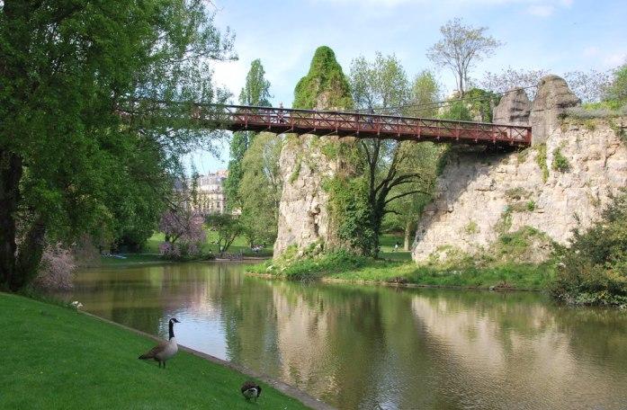 Paris au vert - parc des Buttes Chaumont