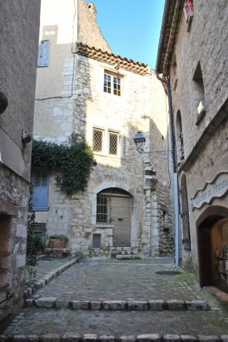 Saint Paul de Vence - ruelle pavée