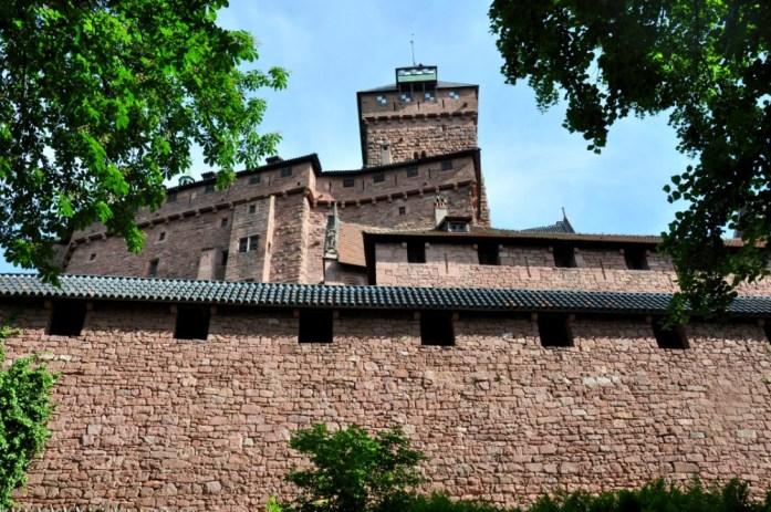 Murs extérieurs du Haut Koenigsbourg en Alsace