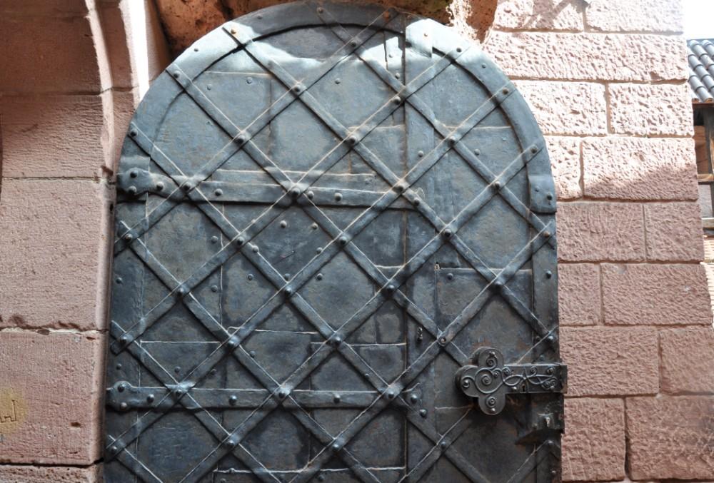 Le Haut Koenigsbourg en Alsace - porte