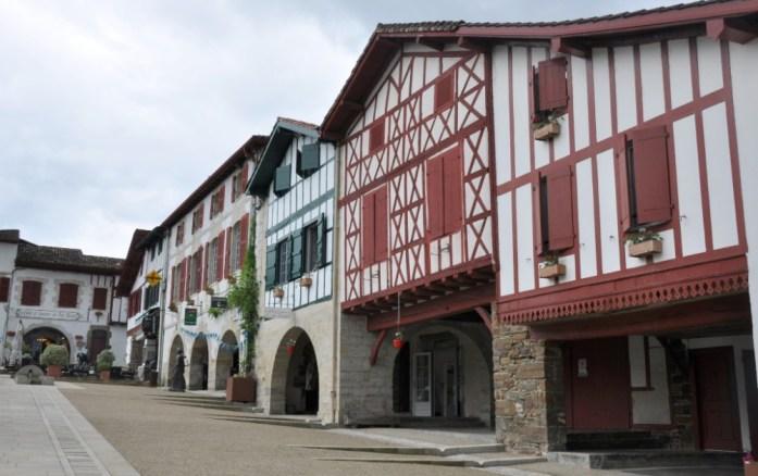 La Marinière en Voyage - place de La Bastide-Clairence