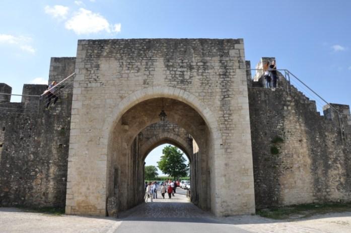 La Marinière en Voyage - porte de la muraille de Provins