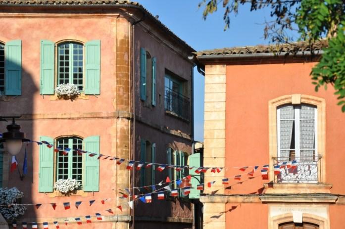 La Marinière en Voyage - place de Roussillon