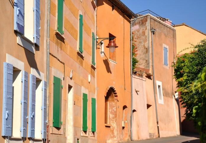 Murs colorés à Roussillon