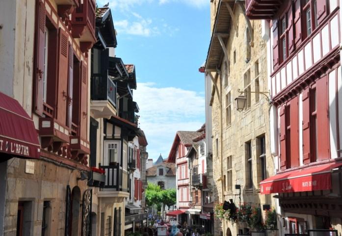La Marinière en Voyage - ruelles de Saint-Jean-de-Luz