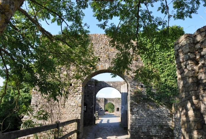 La Marinière en voyage - entrée du château de Pirou