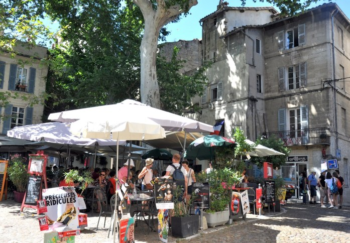 Visiter Avignon en une journée - les jolies placettes