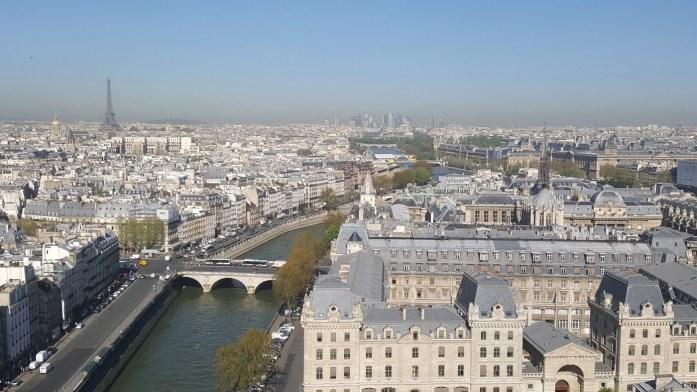 Vue depuis les tours de Notre Dame à Paris