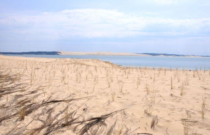 Visiter le Cap Ferret à vélo - vue sur la dune du Pilat