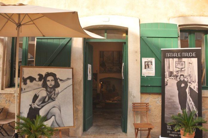 Bains-Douches à Antibes - Blog La Marinière en Voyage