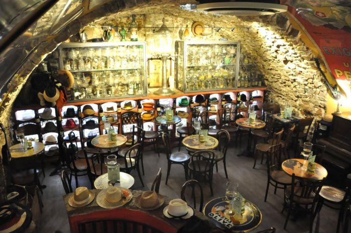 Bar à absinthe à Antibes - Blog La Marinière en Voyage