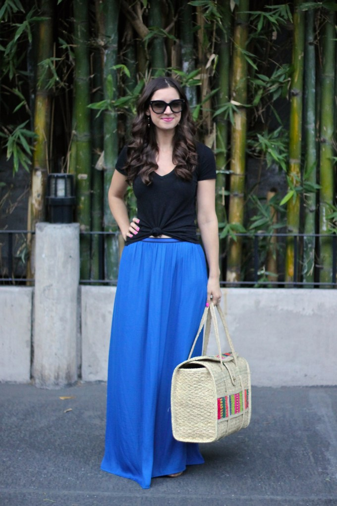 La Mariposa Travels: Summer days in Mexico: Cobalt Blue Maxi and Tied Tee