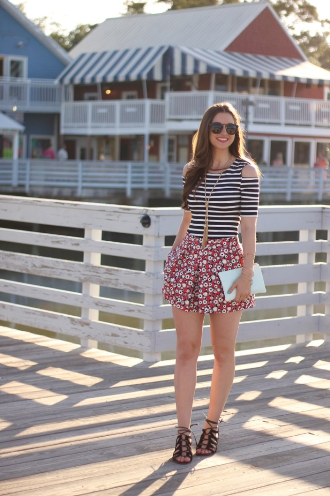 Summer stripes & florals on the pier