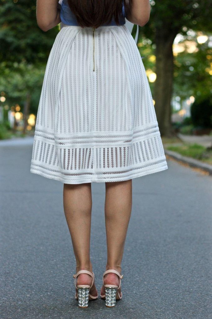 La Mariposa, Southern Style, Wearing a White Skirt, Chambray and White, Summer White Outfit